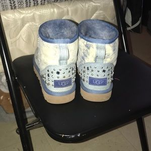 Blue jeans like uggs size 7